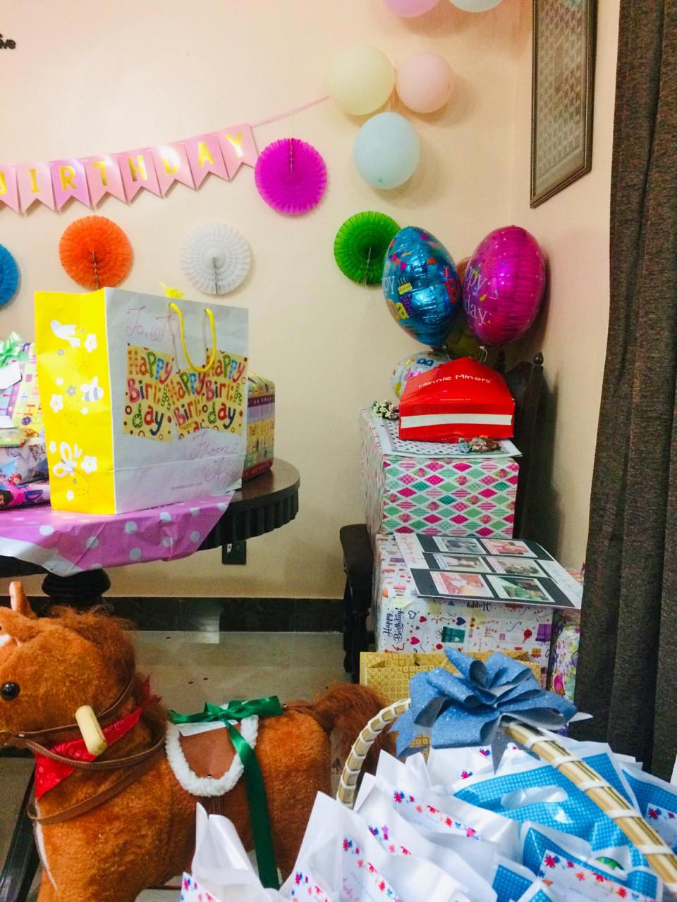 Ayra got a lot of gifts, Masha'Allah!