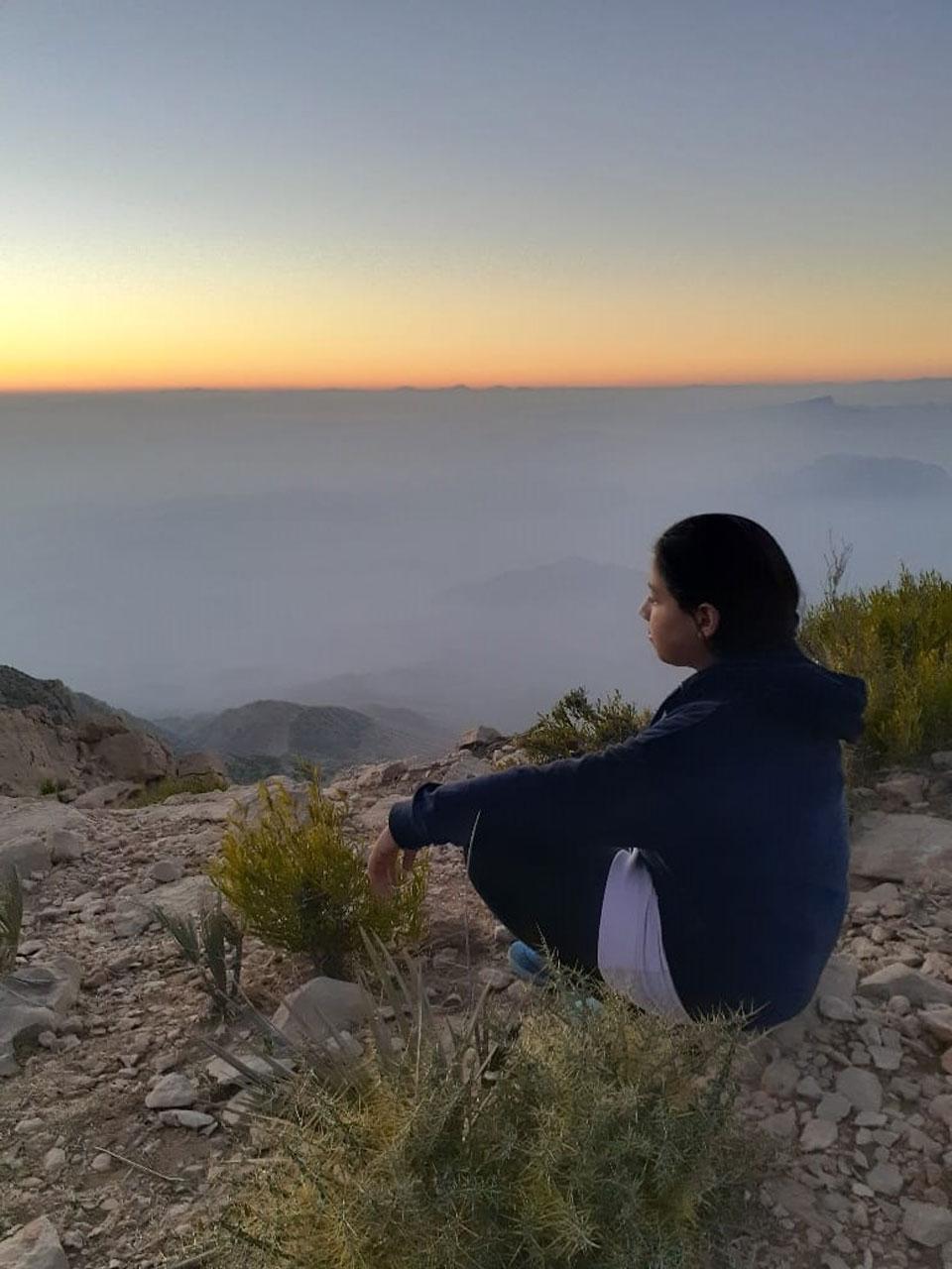 Zoya is admiring the horizon line