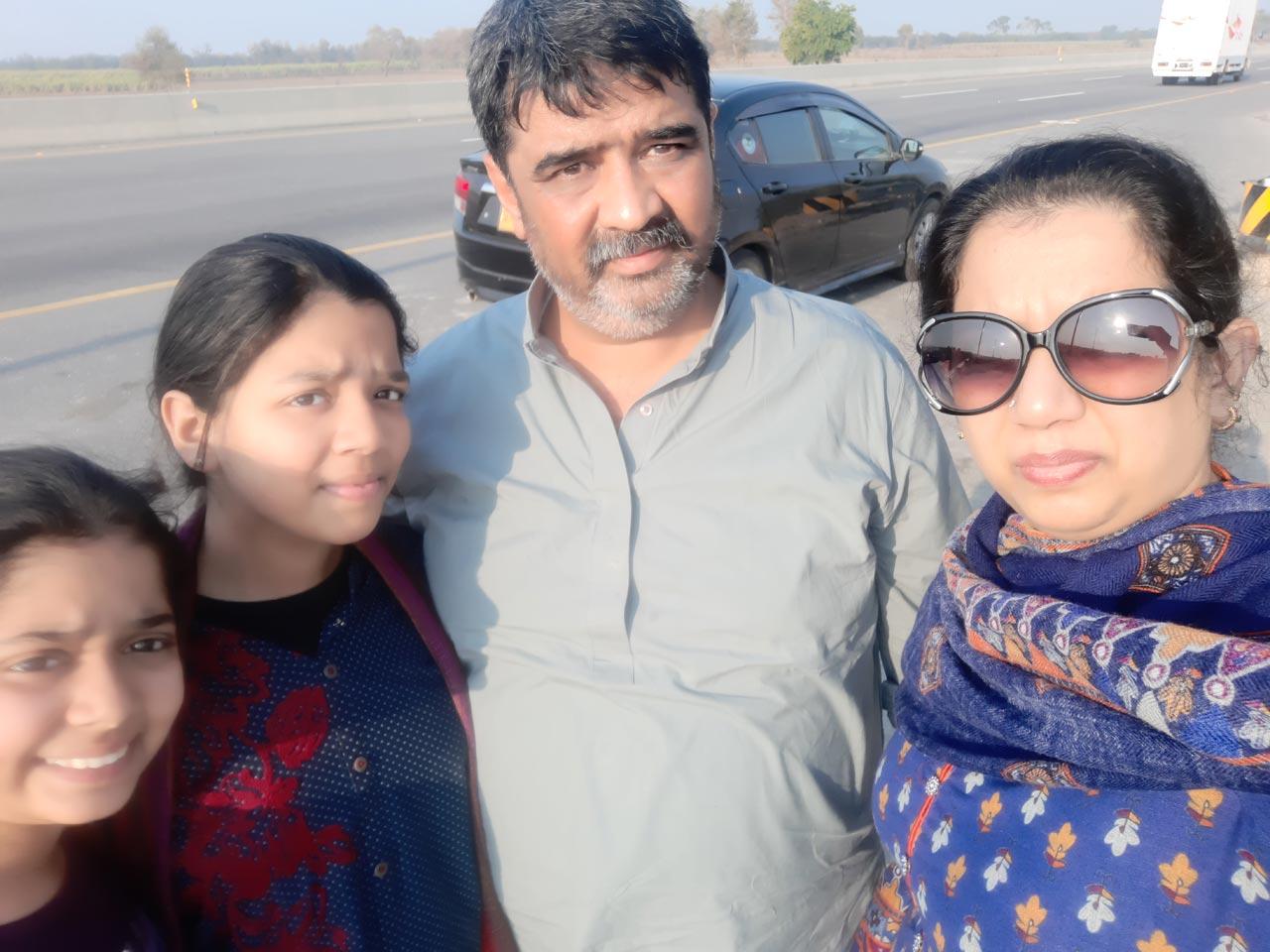 Zoya Imran, Zara Imran, Imran Khan and Erum Imran.