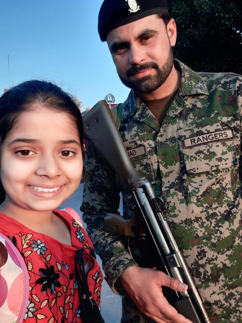 Zara Imran with one of the Rangers soldier at the Wagah Boarder flaf lowering ceremony