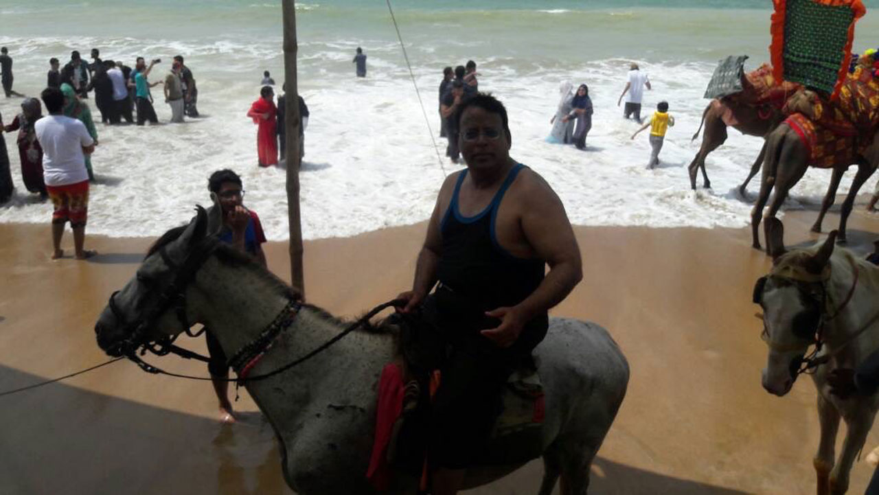 Dr. Ata Ur Rehman is enjoying the horse ride