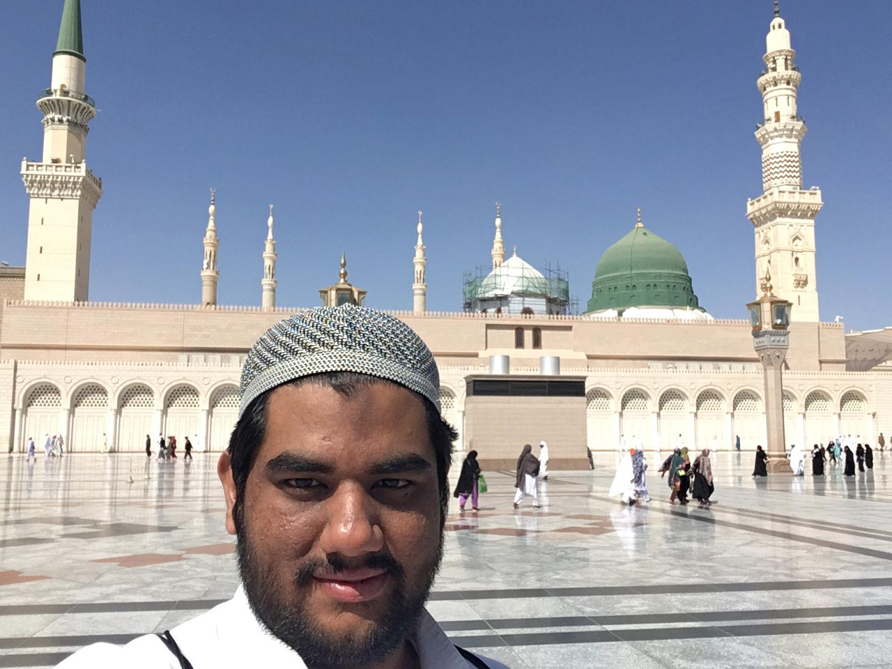 Engr. Taha Ahmed Khan in front of the Masjid-e-Nabwi in Madina Munawwara
