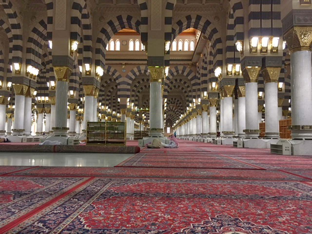 Inside view of the Masjid-e-Nabwi