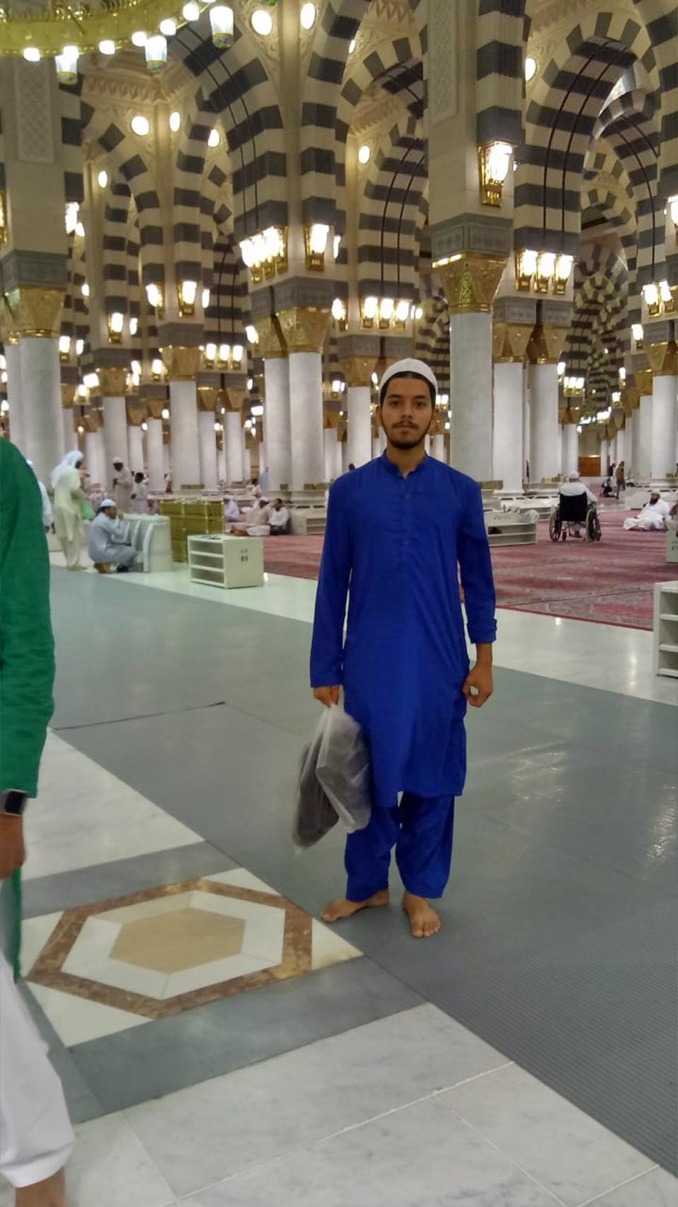 Obaid Ur Rehman inside the Masjid-e-Nabwi