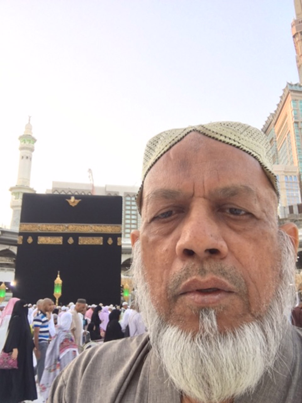 Engr. Iqbal Ahmed Khan in Haram-e-Makkah after Fajar prayers