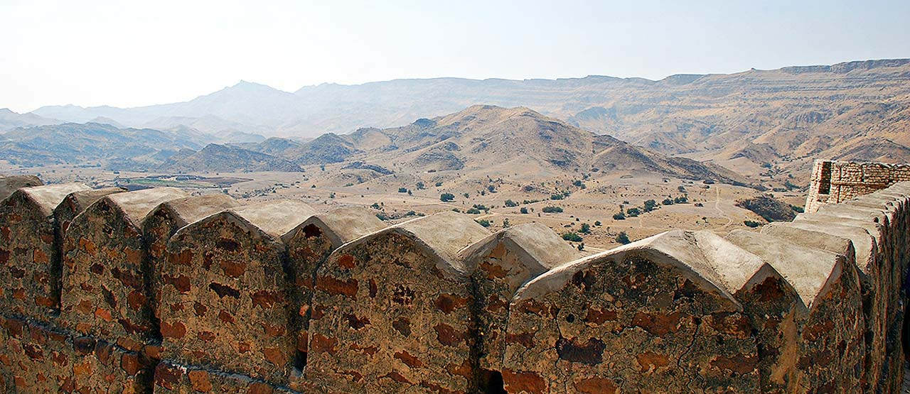 A view of the surrounding from the top of the Miri Kot also showing the width if the wall as well