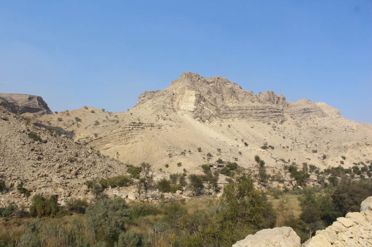 """A nice view of the surrounding area at the """"Pariyon Jo Tar"""" fresh Water Stream"""