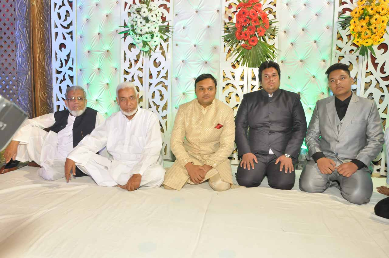 Engr. Iqbal Ahmed Khan with Imran Pervez and other guests on the stage