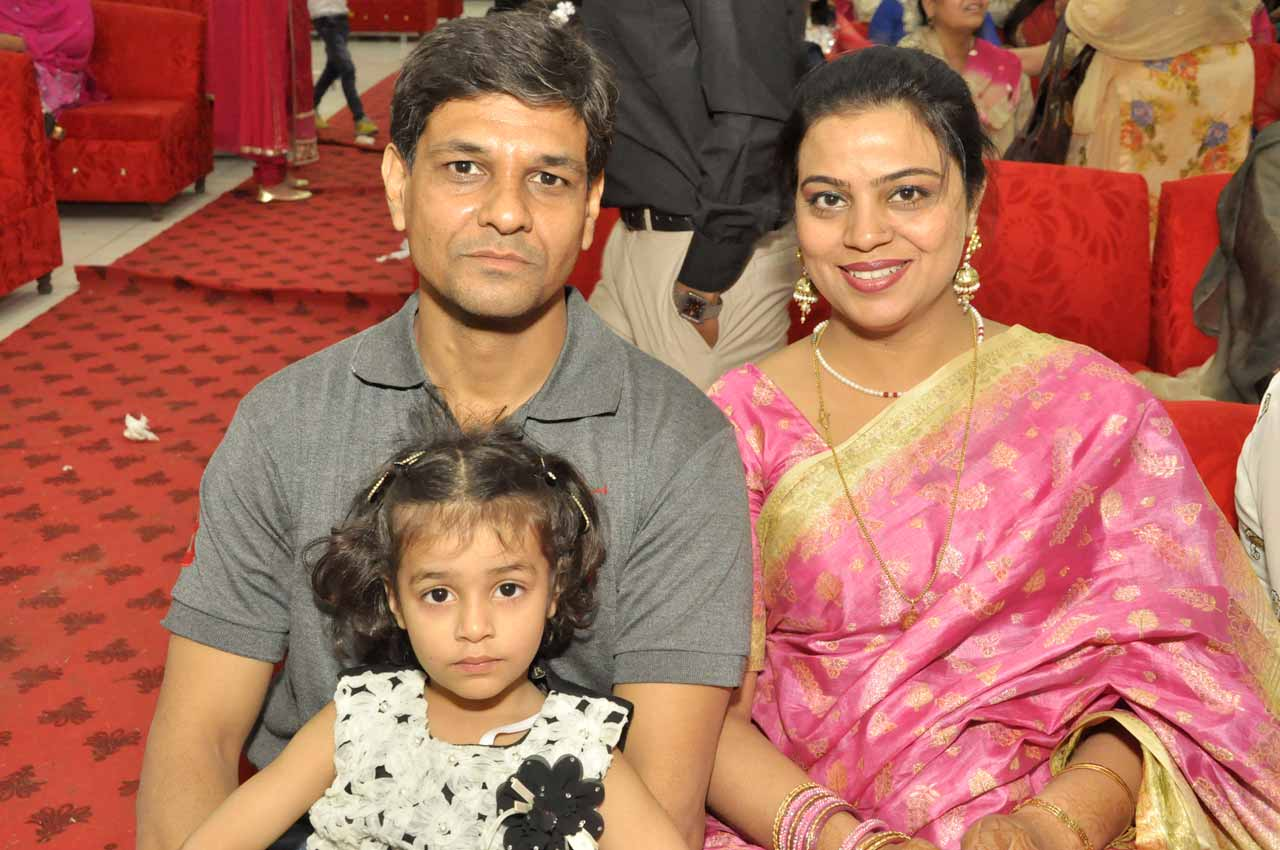 Nadir Choudhary with his wife and the daughter