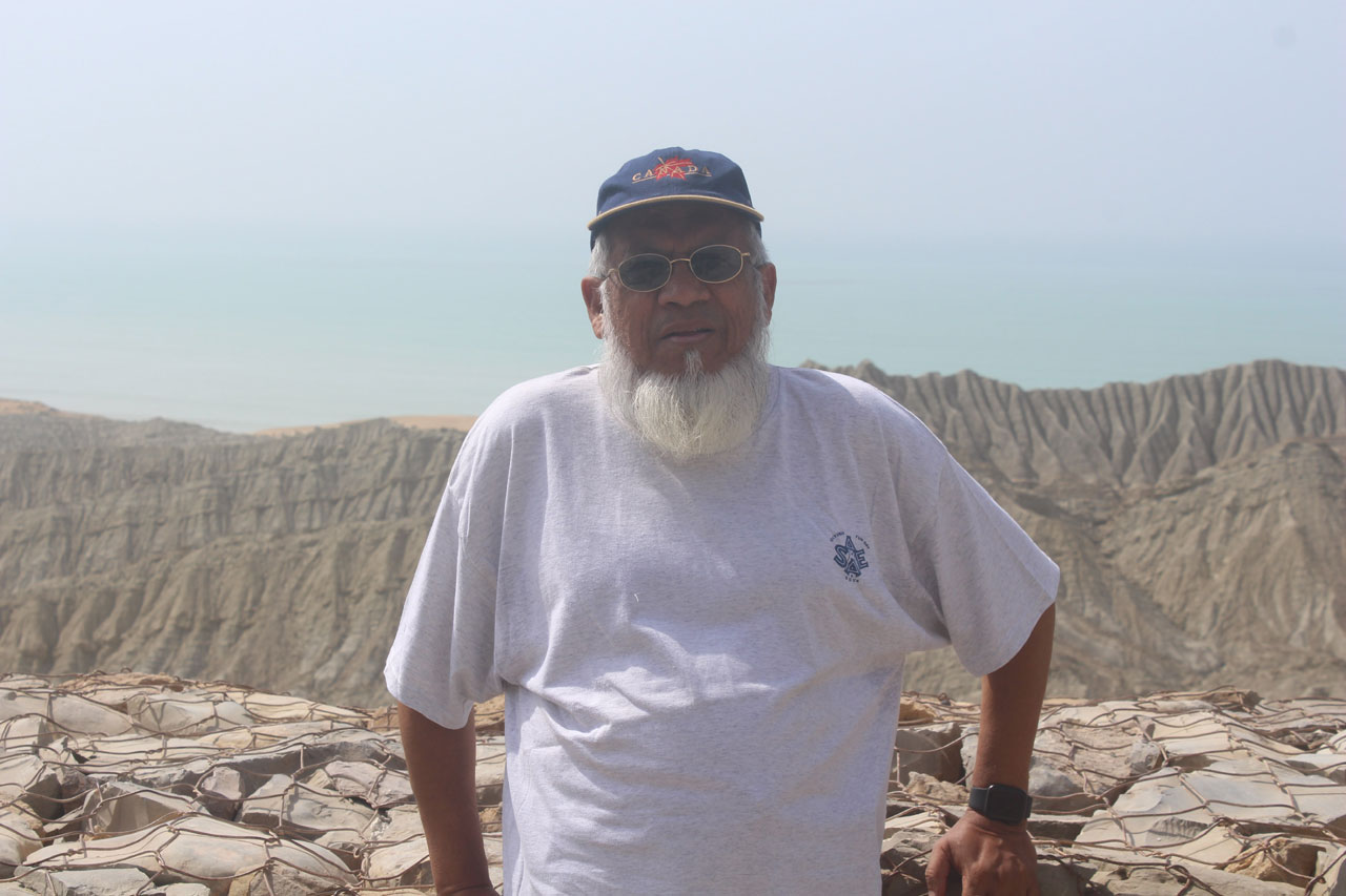 Engr. Iqbal Ahmed Khan at an elevation on Kund Malir.