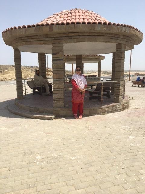 Dr. Kiran Ata Ur Rehman under the shade at Kund Malir View Point.