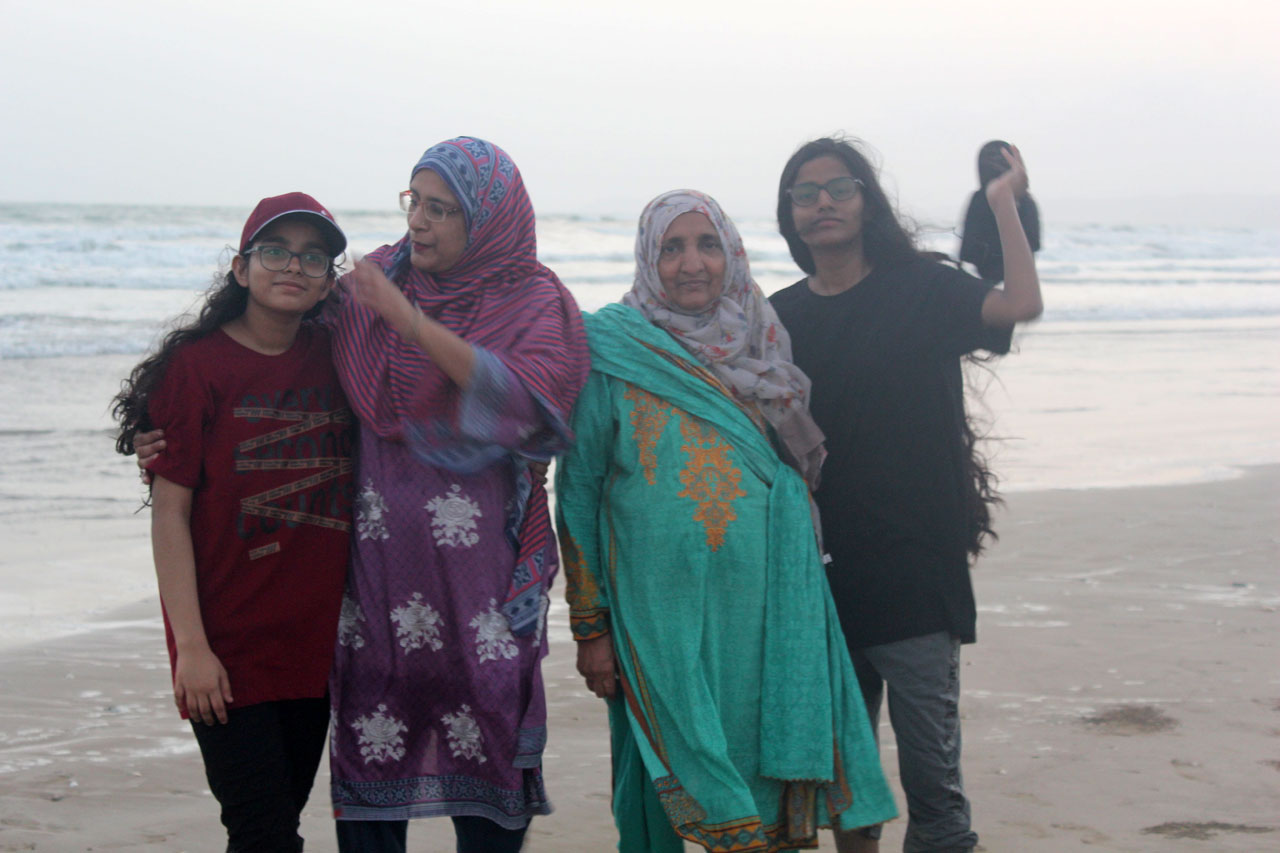 Mother-in-Law of Hakim Abdul Bari is enjoying at Ormara Beach with her daughter and two granddaughters.
