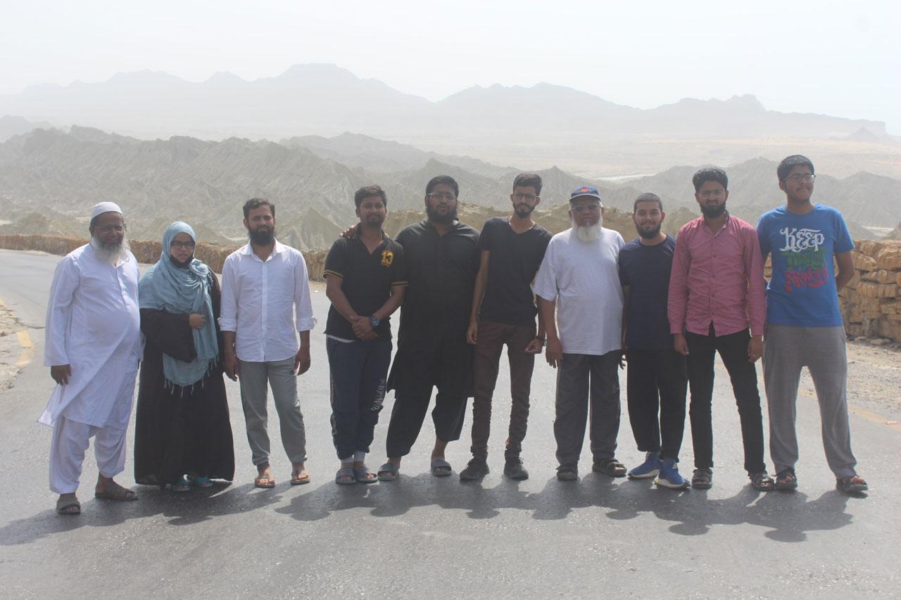 Abdul Bari, Umaima, Zubair, Usama, Anus, Ahmed, Iqbal Khan, Obaid, Hamid, Habib, all are on the Makran Coastal Highway and mountains on the background.