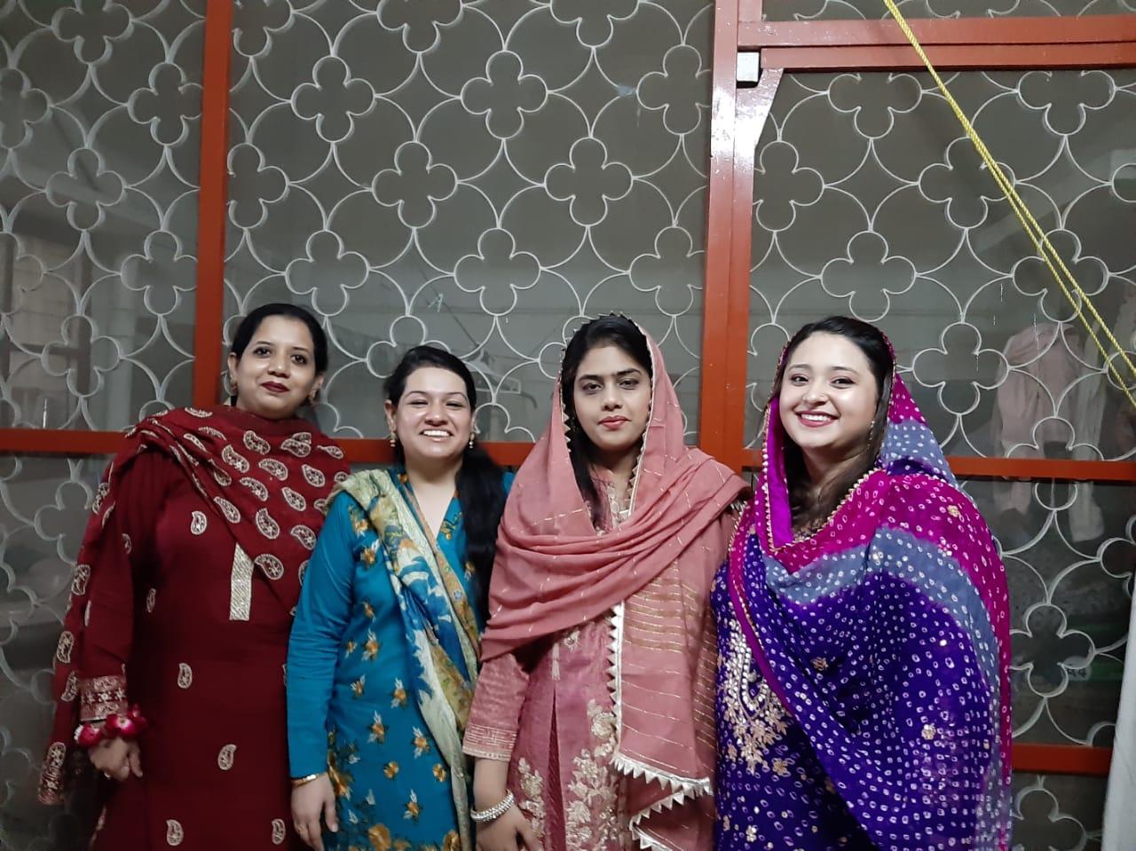 Erum, Faryal, Bushra, and Samia at the Lal Khat Ceremony