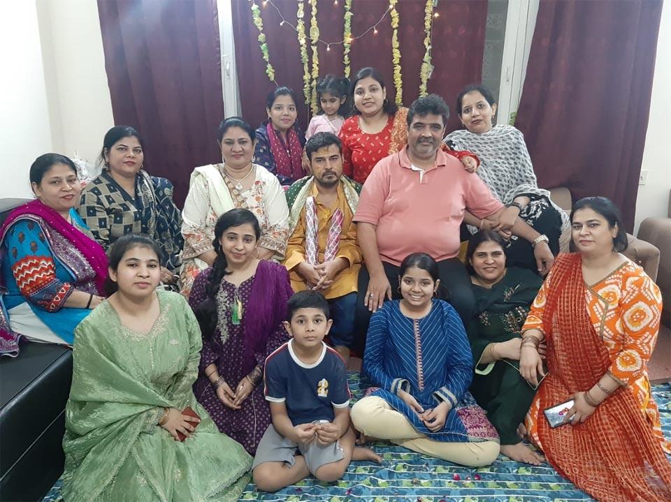 The Groom's family with Kamran on his Mayoon Ceremony