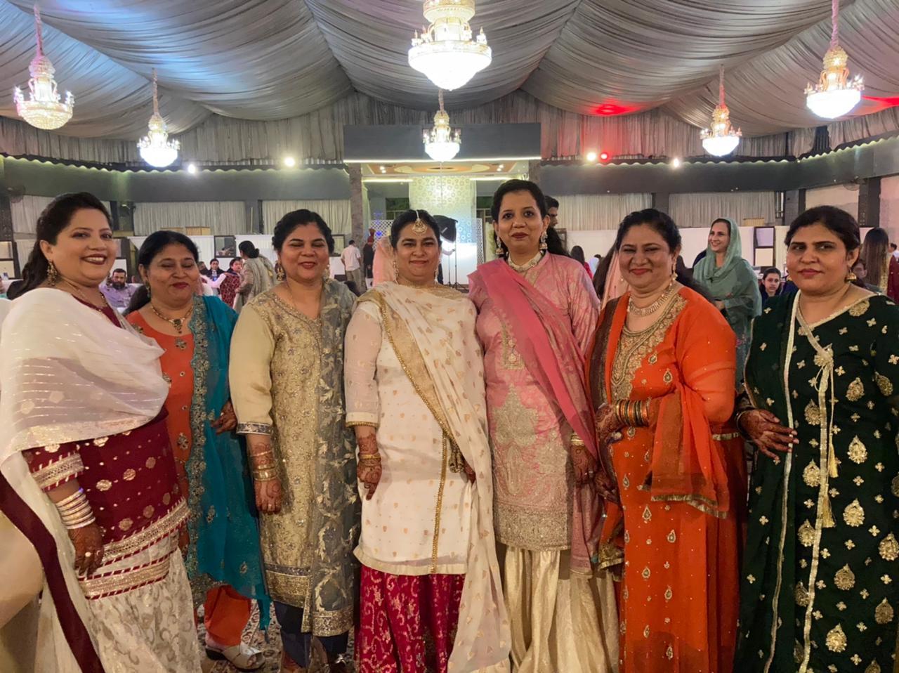 Kiran and Erum with the groom's sisters: Saba, Manza, Farhat, Farah and Hina