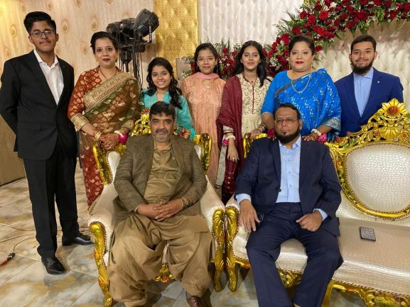 The group of two sister's Dr. Kiran and Erum family at the Valima Reception