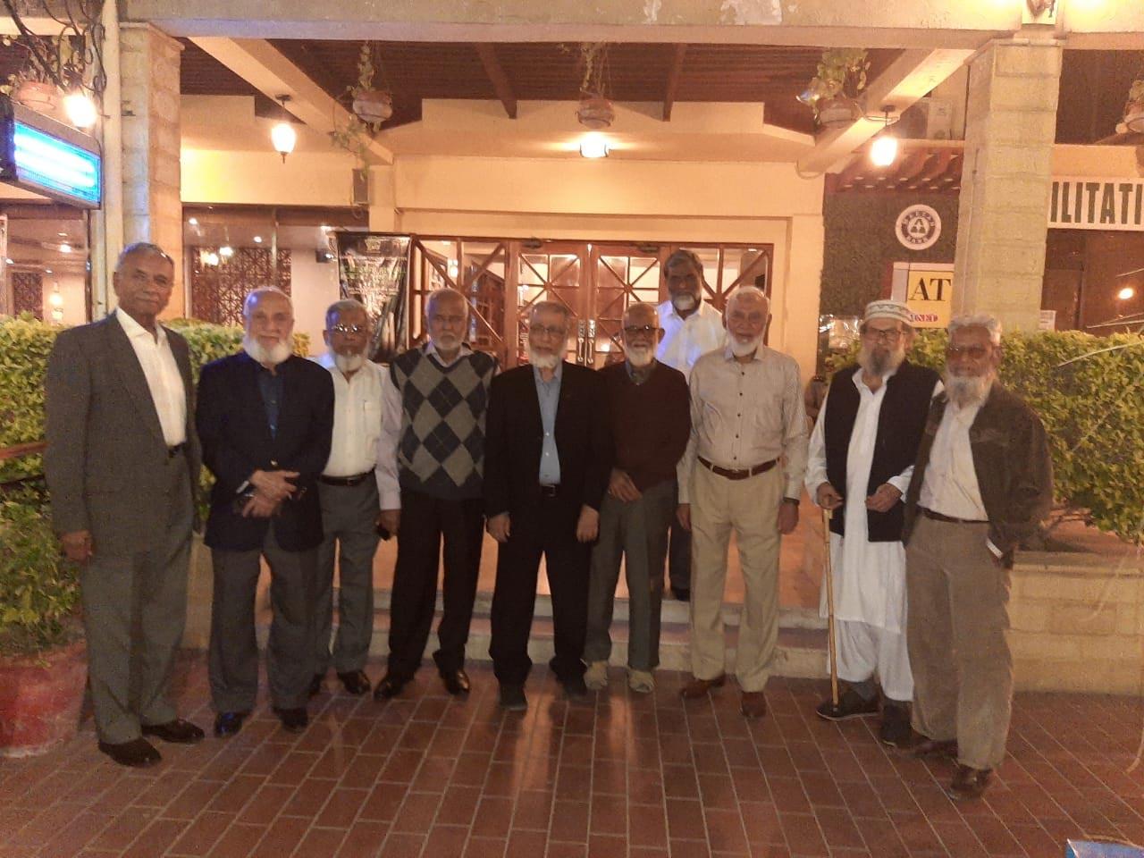 Mohammad Afzal, Syed Zafar Ahmad, Iqbal Ahmed Khan, Rahmatullah Ganaai, Khalid Iqbal, Sharif Ur Rehman Malik, Aqleem Aleem, Babar Ghaznavi, Hasan Habib Imdadi on the back M. Mahtab Alam Khan