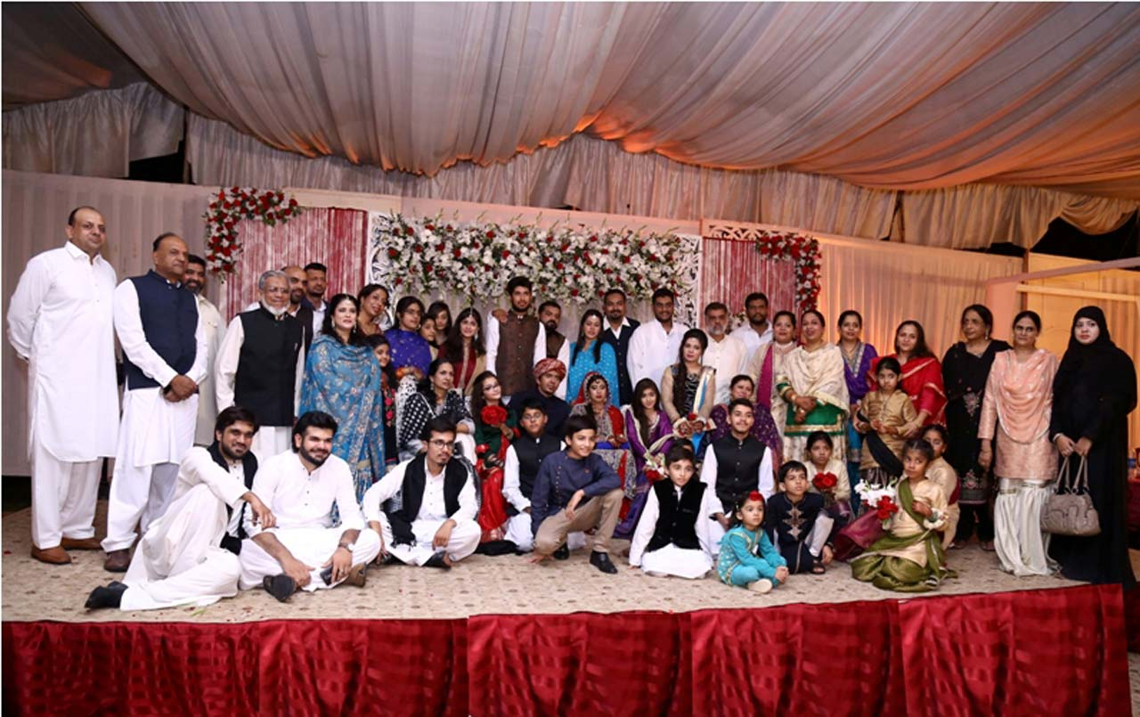 Group Picture of the Groom's family on the wedding function