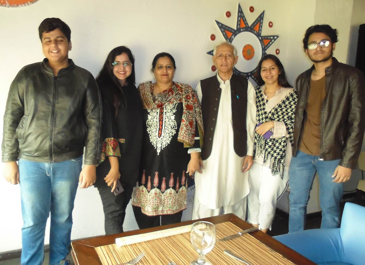 Qamar Khan with his family
