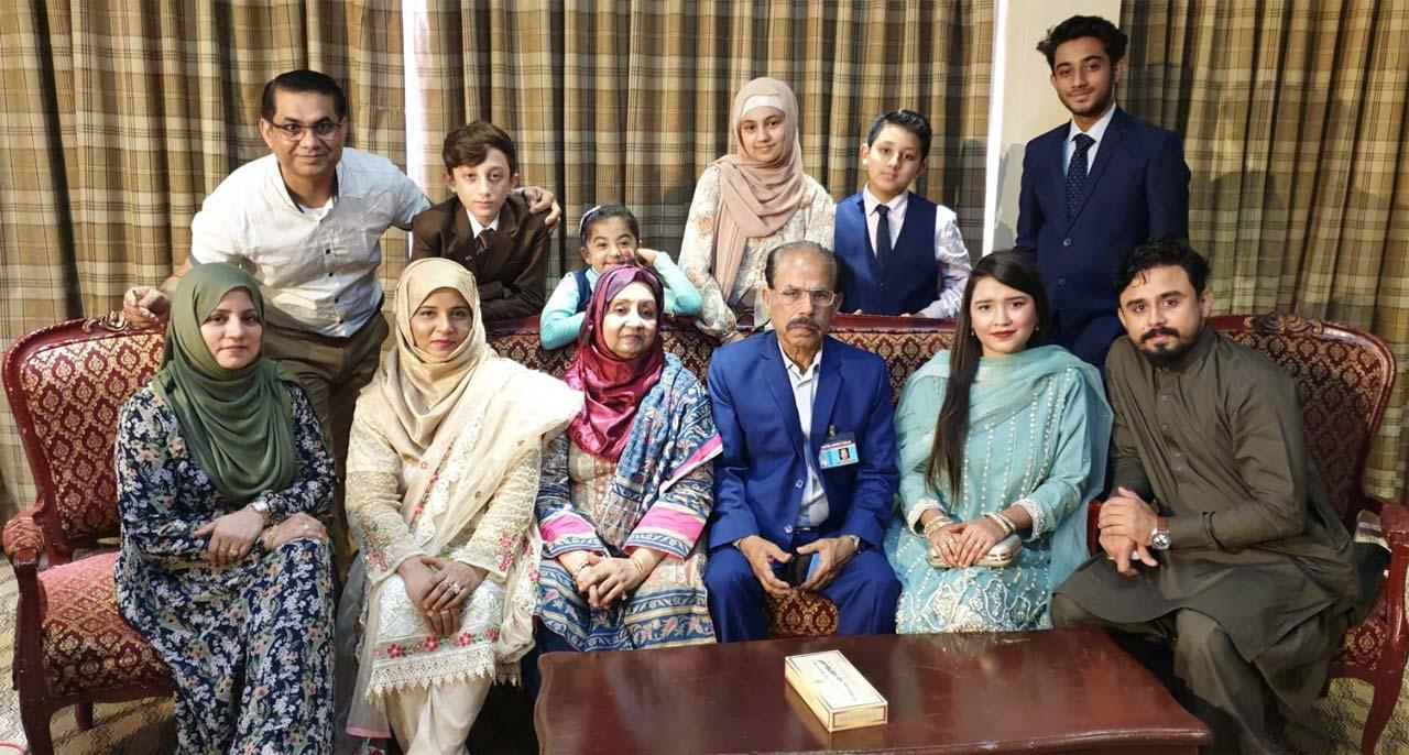 Sitting: Sumaira Rizwan, Sajida Kashif, Shahnaz Shafiq, Shafiq A. Khan, Sahrish Khan, Shabeel Khan, Standing, Rizwan Khan, Jazim Khan, Armeen Khan, Humna Rizwan, Areeb Rizwan and Shameer Khan