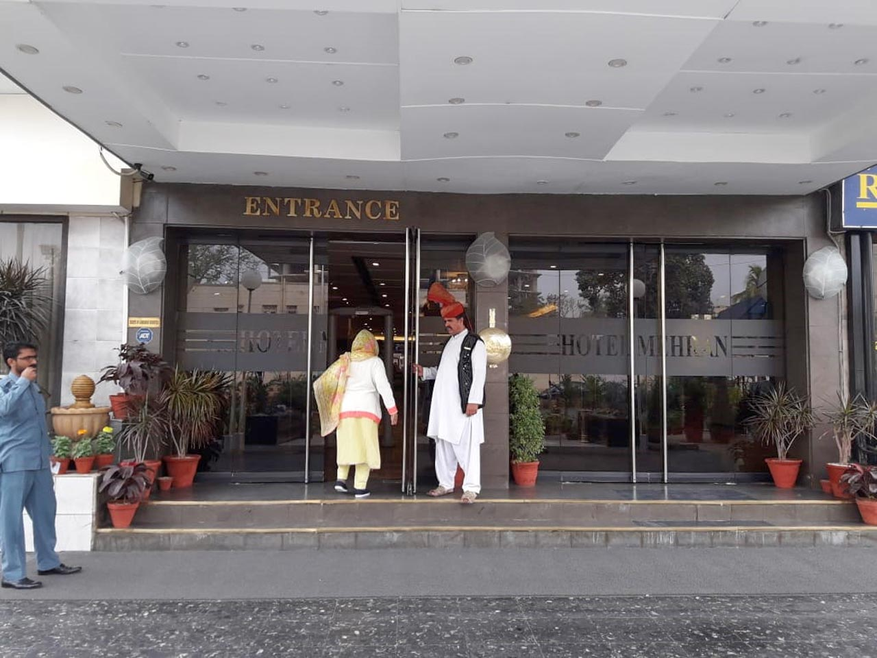 Entrance to Hotel Mehran