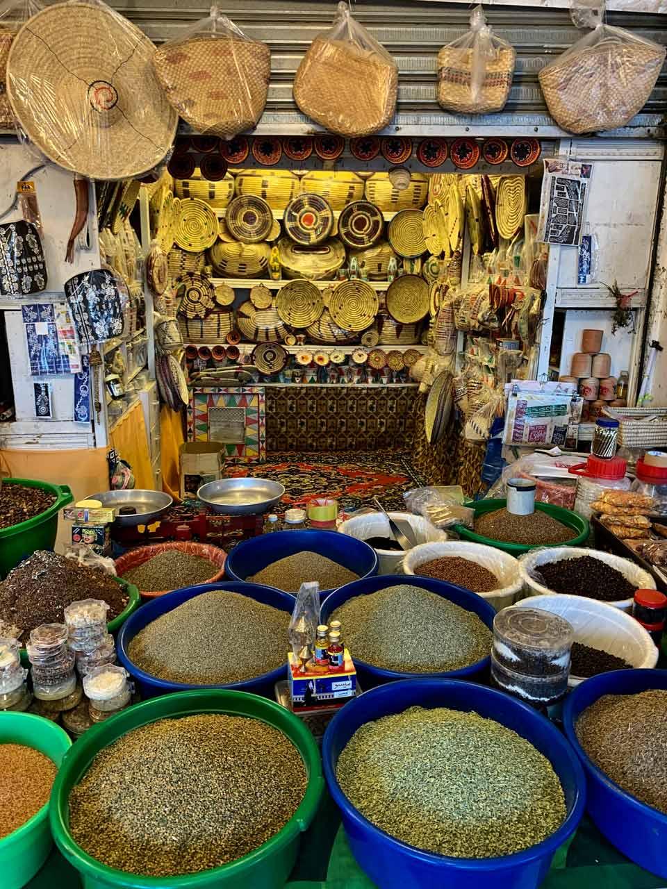 Al Muftaha spice souq. © Mark Lowey.