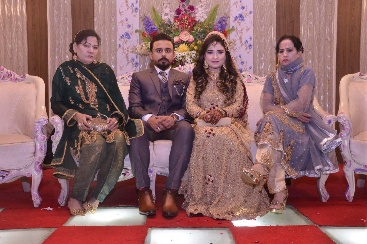 The newlywed couple with the aunts of Shabeel Khan at the Valima reception