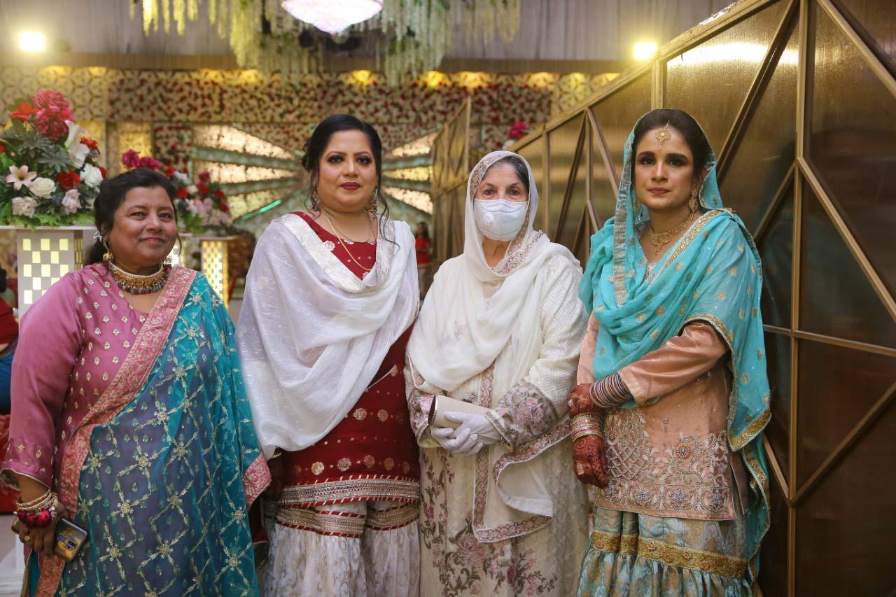 Tanveer Fatima (Phupo), Dr. Kiran Ata Ur Rehman, Sadia Rashid (Daughter of Hakim Mohammad Said (Late)), Mother of the Bride