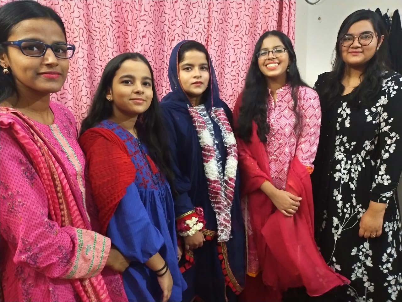 Hadiya Abdul Bari, Khaula Abdul Bari, Umaima Abdul Bari, Mariam Ata Ur Rehman, Khansa Shareef