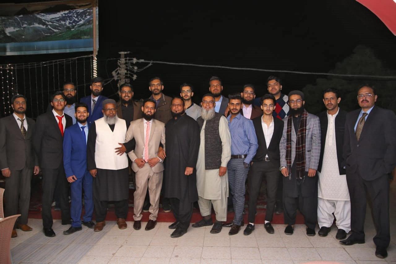Row 1: Hafiz Ahmed Mustufa, Atif Abdul Basit, Anas Abdul Bari, Moiz Qadri, Abdullah, Usman Hameed, Zubair Abdul Bari, Yasir Row 2: Wasi Ahmed, Habib Ur Rehman, Obaid Ur Rehman, Hakeem Abdul Bari, Muhammad Zubair Sultani, Dr. Ata Ur Rehman, Hameed, Umar Hameed, Abdullah's Brother, Huzaifa Shareef, Kashif