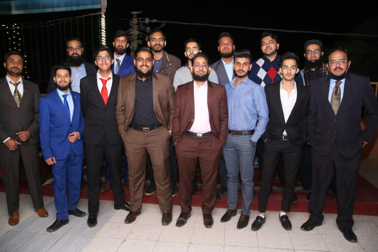 Row 1: Row 1: Hafiz Ahmed Mustufa, Atif Abdul Basit, Moiz Qadri, Abdullah, Usman Hameed, Yasir Row 2: Wasi Ahmed, Obaid Ur Rehman, Habib Ur Rehman, Anas Abdul Bari, Zubair Abdul Bari, Umar Hameed, Abdullah's Brother, Kashif