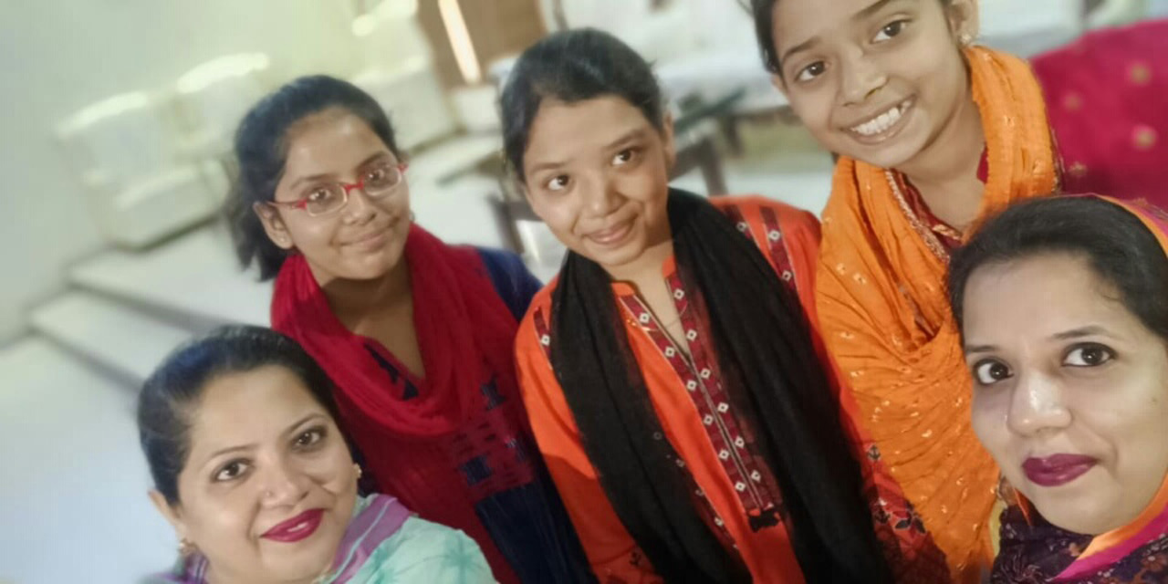 Dr. Kiran Ata Ur Rehman, Mariam A. Rehman, Zoya Imran, Zara Imran and Erum Imran