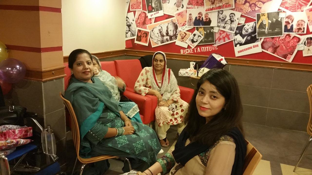 Dr. Kiran Ata Ur Rehman, Mrs. Zohra Iqbal, Mrs. Rudaba Irshad, Amna Kashif from Bahrain