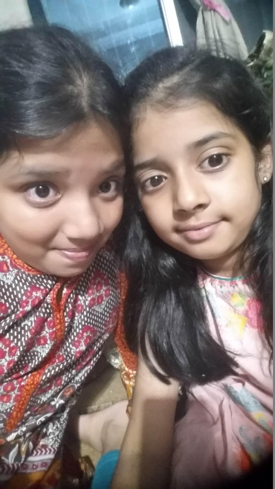 The two loving sisters Zoya Imran and Zara Imran