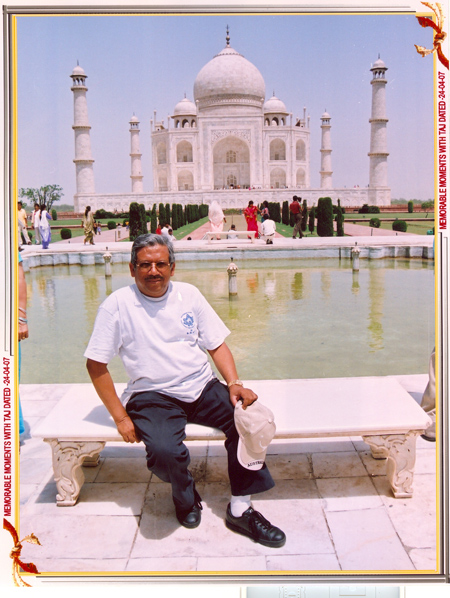Iqbal Khan Visiting Taj Mahal