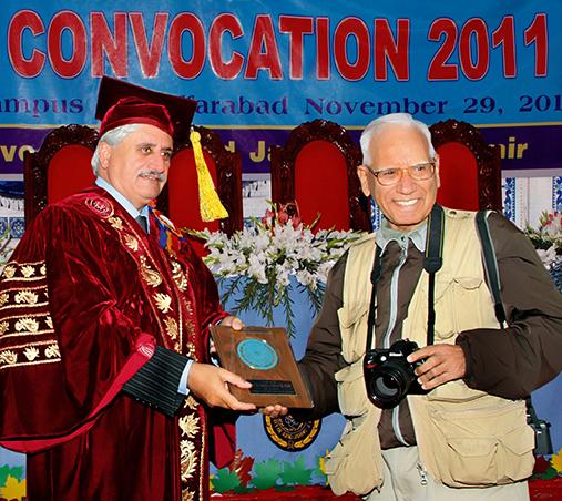 Shaikh Amin Receives Award