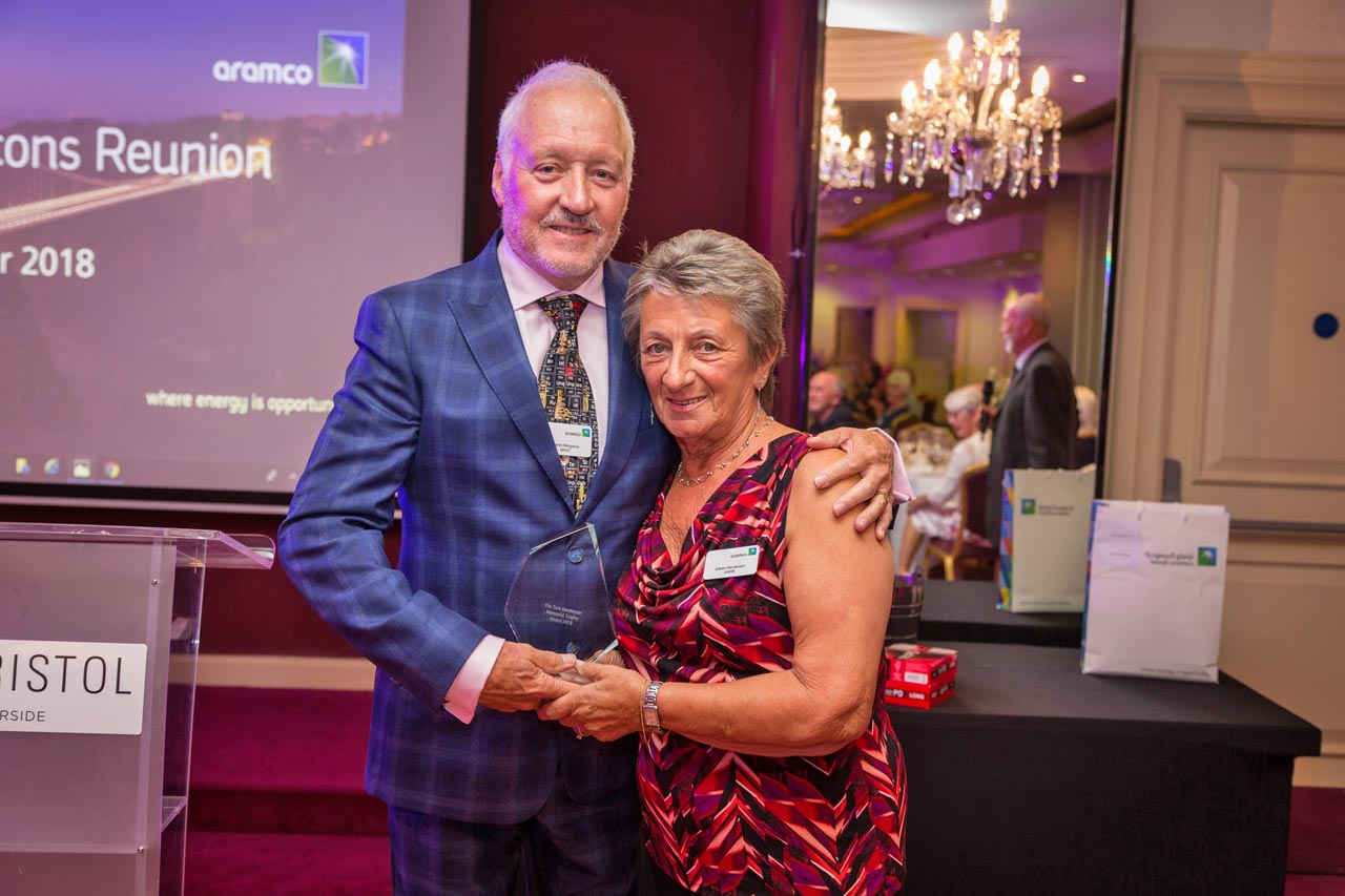 Eileen Henderson presenting golf trophy to Martin Wingrove