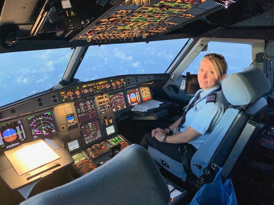Aramco Brat and Pilot April Allen Joins JetBlue